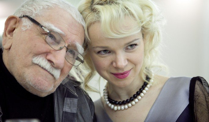 Армен Джигарханян с женой Виталиной.