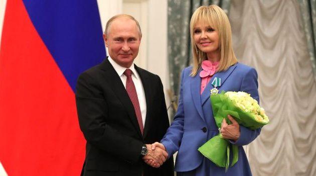 Орденом Дружбы награждена певица Валерия