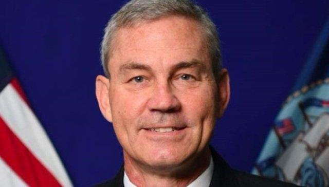 Вице-адмирал Скотт Стирни