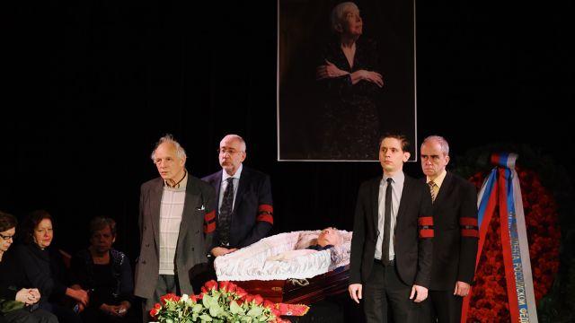 Похороны Людмилы Алексеевой