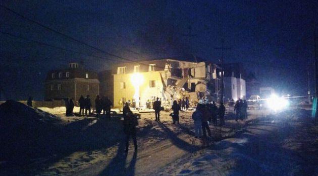 В результате взрыва обрушился жилой дом в Красноярске (видео)