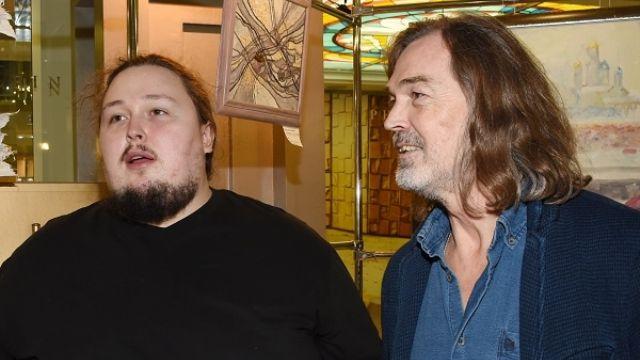 Никас Сафронов с сыном Лукой