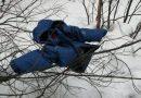 Подросток попытался задушить 11-летнего мальчика и закопал его в снегу