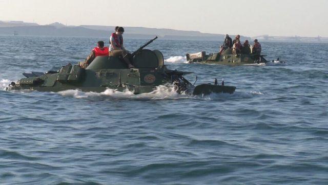 БРДМ-2 утонул в Керченском проливе