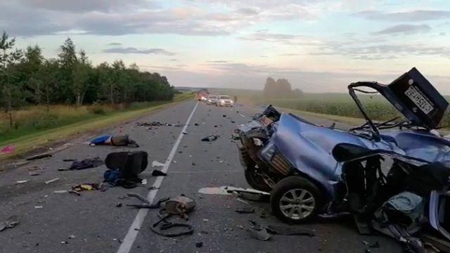 Пять человек погибли в массовой аварии под Орлом