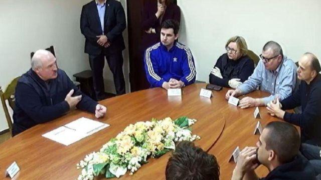 Лукашенко встретился с оппозицией в СИЗО