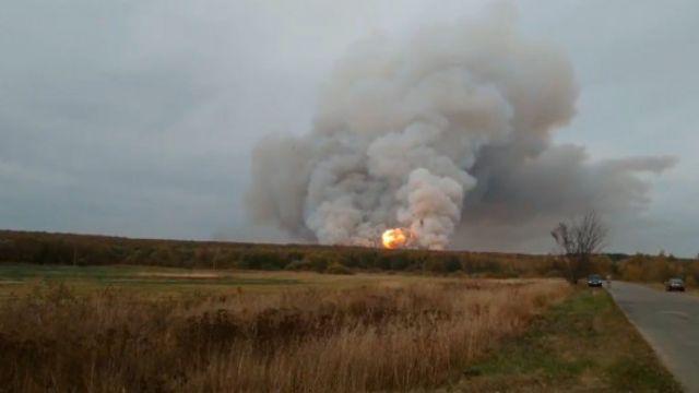 Склад с боеприпасами загорелся в Рязанской области