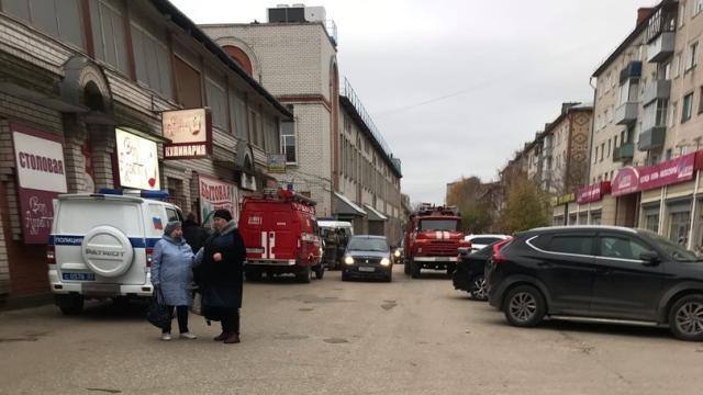 Мужчина в маске Деда Мороза взорвал гранату на рынке