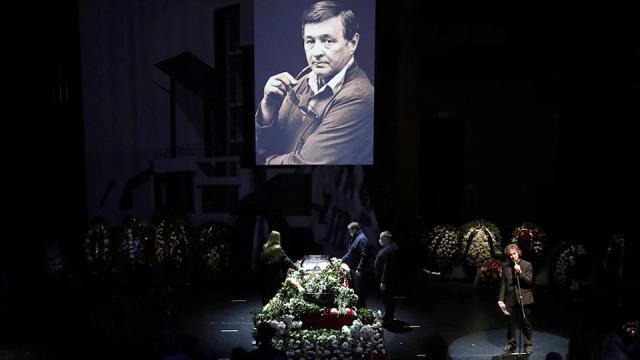 Прощание с Романом Виктюком в Москве