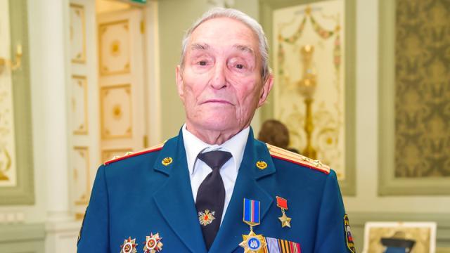Герой Советского Союза Борис Кузнецов