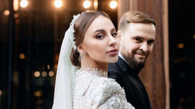 Певица Asti вышла замуж