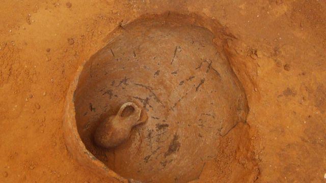 В Израиле нашли кувшин с младенцем