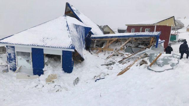 Лавина сошла на горнолыжном курорте Домбай