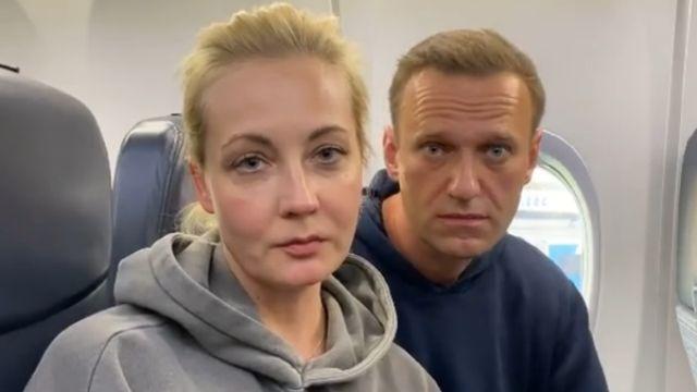 Алексей Навальный с супругой Юлей