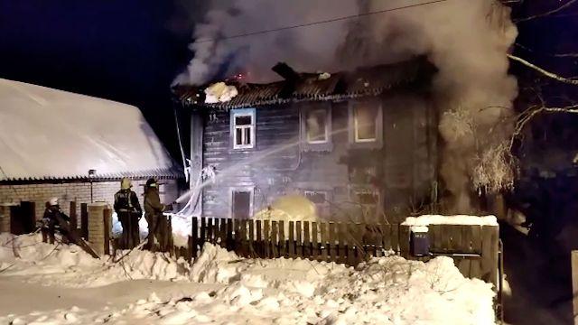 Пожар в деревянном доме в Кирове