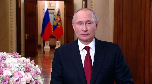 Владимир Путинпоздравил женщин с 8 Марта