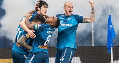 «Зенит» третий раз подряд стал чемпионом России