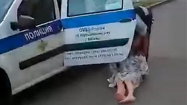 Мать четырех детей выволокли из МФЦ из-за отсутствия маски