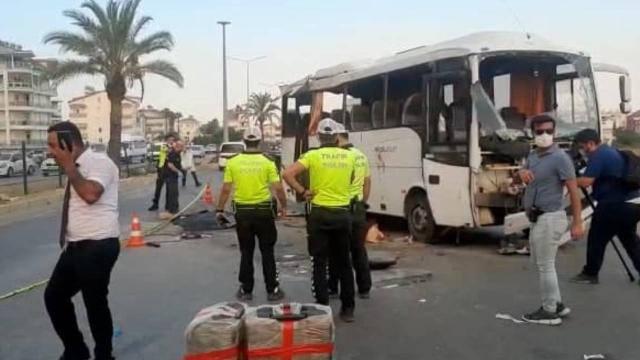 Автобус с российскими туристами перевернулся в Анталии