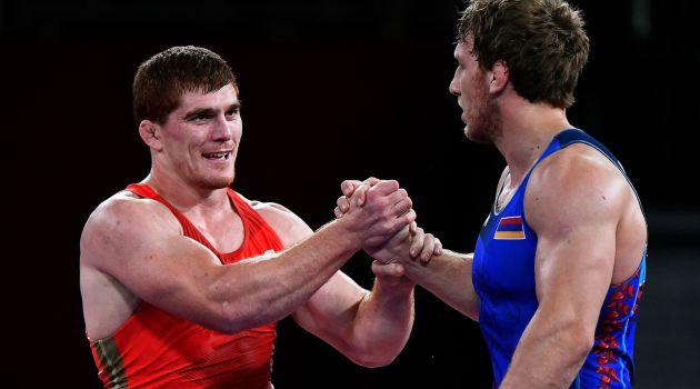 Муса Евлоев завоевал золото ОИ-2020 в греко-римской борьбе
