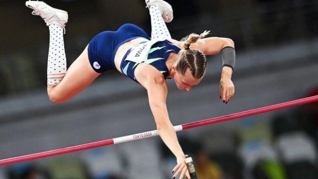 Анжелика Сидорова завоевала серебро ОИ-2020 в прыжках с шестом