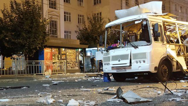 Пассажирский автобус взорвался на остановке в Воронеже