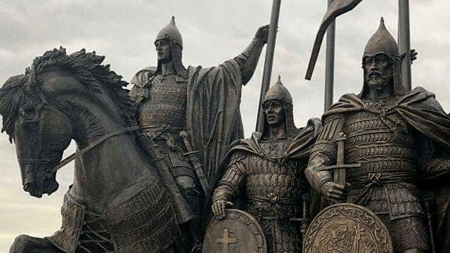 Мемориал Александру Невскому на Чудском озере