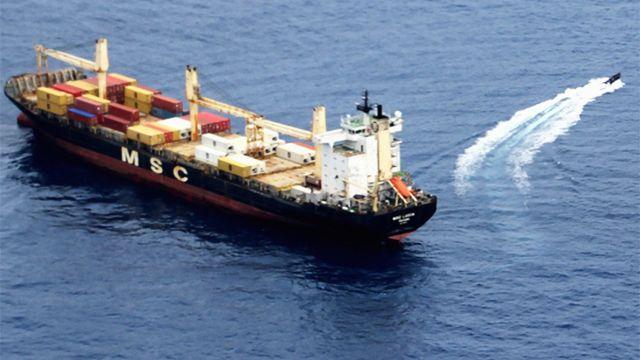 Российские морпехи отбили панамский контейнеровоз у пиратов